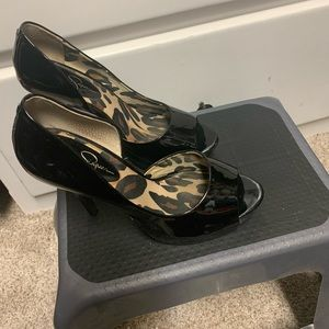 Jessica Simpson black patent leather shoes
